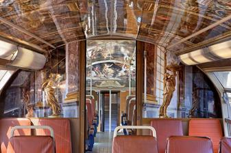 Main_train_Versailles